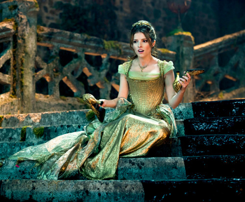 1416506729_into-the-woods-anna-kendrick-560