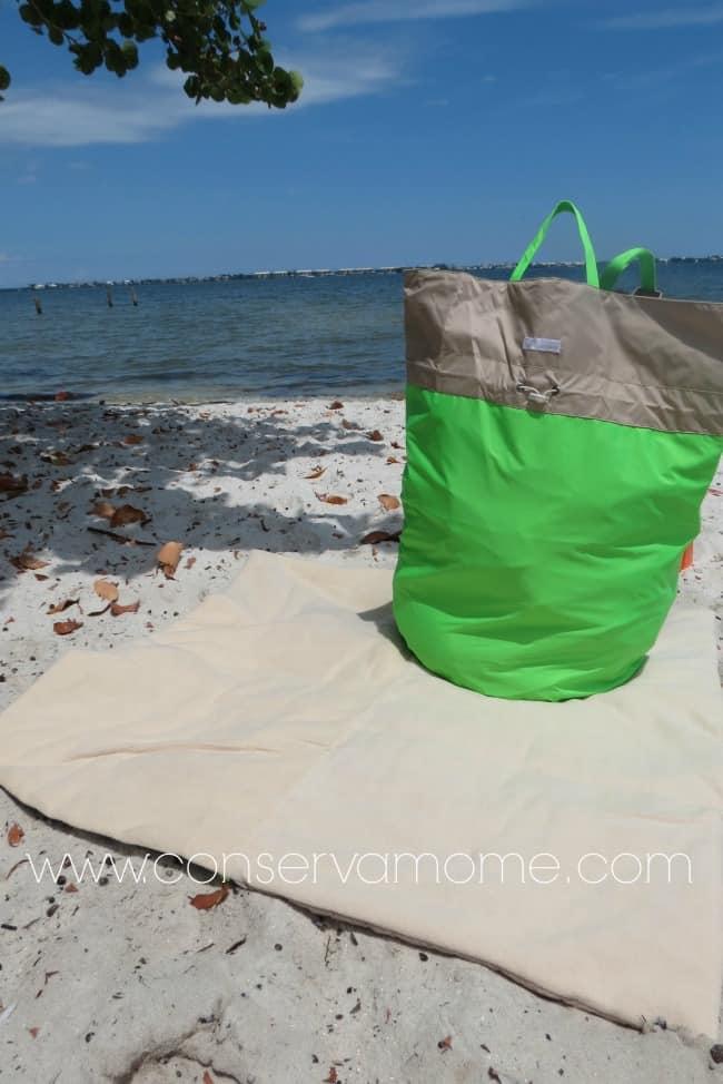 7 A.M Enfant Hamper Bag & Triangle Blanket Review
