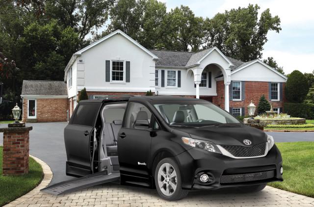 Toyota_Braun van front of home