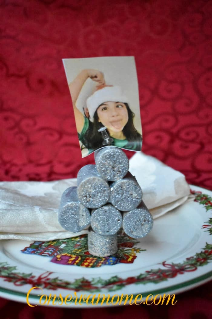 Diy picture card holder - Interesting tables capes for christmas providing cozy gathering space ...