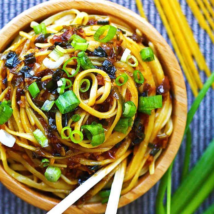 Sticky-Garlic-Noodles