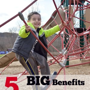 5 BIG Benefits of Outdoor Play