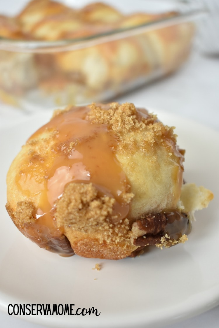 Caramel pecan Apple pie bombs