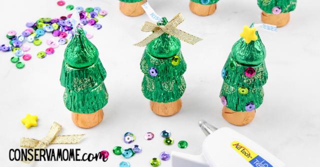 adding star to christmas tree treats