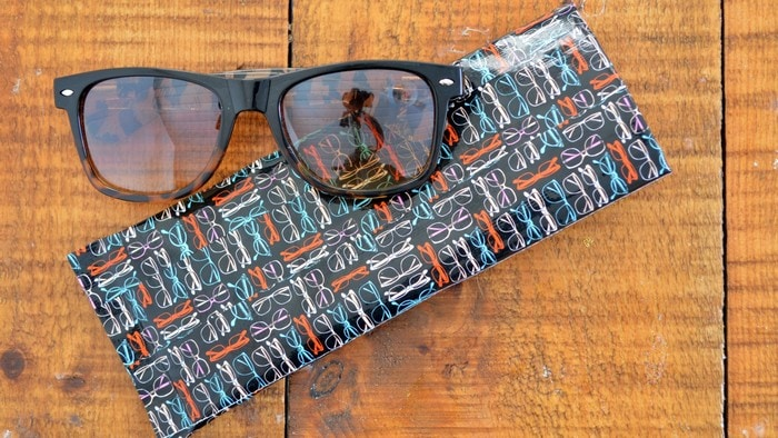 DUCT TAPE SUNGLASSES CASE Crafts Mad in Crafts