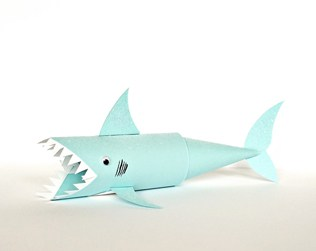SHARK PAPER TUBE CRAFT