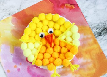 Paper Plate Pom Pom Chick: Paper plate craft for spring