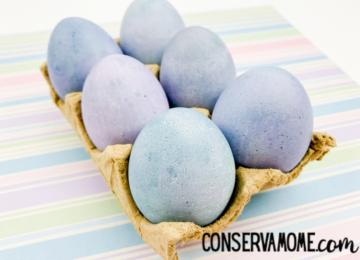 How To Dye Easter Eggs Using Blueberries: Natural Easter egg dye