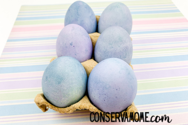 dyeing eggs with natural fruit